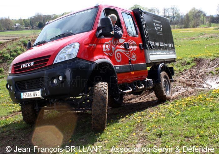 iveco daily 4x4 treuil pour iveco. Black Bedroom Furniture Sets. Home Design Ideas